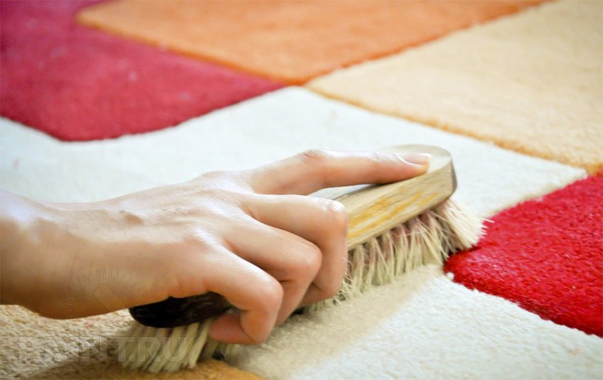 Чем почистить ковролин в домашних условиях содой 720
